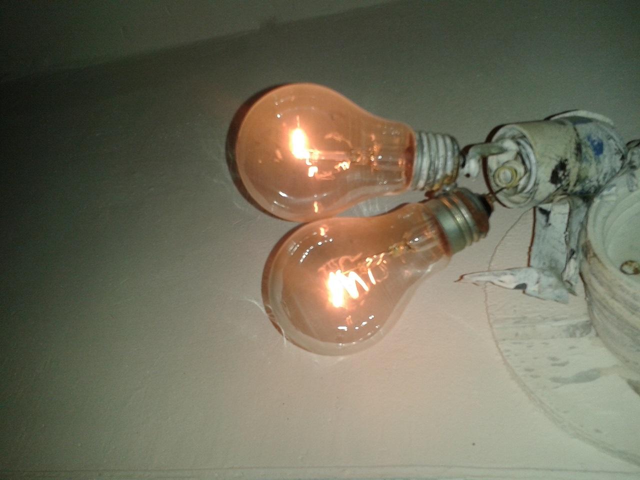 Как сделать чтобы не перегорали лампы 827