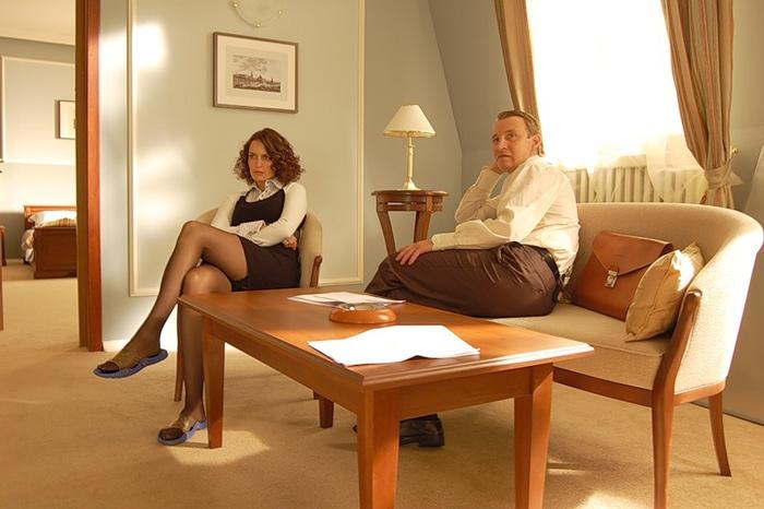 Взрослая охотно изменяет мужу, лесбиянки сосутся друг с другом смотреть через ютуб