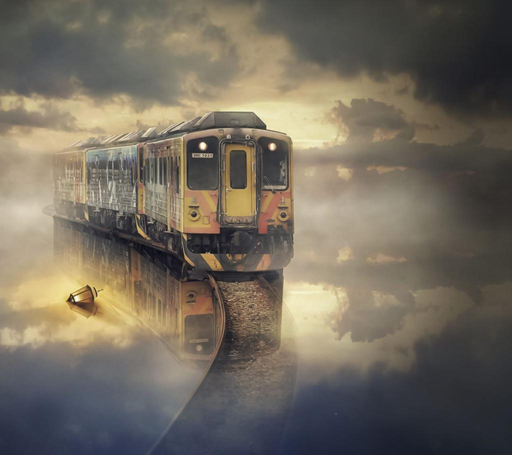Паровоз в облаках