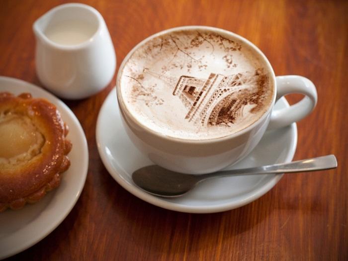 Больного человека, картинки с надписью кофе с молоком